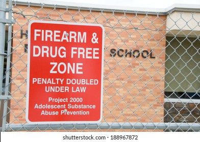 school sign banning drugs and guns