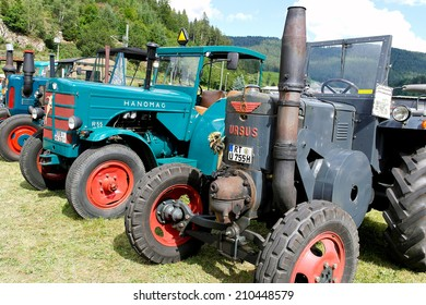 SCHWARZENBERG - AUGUST 9: Tractor LANZ BULLDOG FESTIVAL by Schwoba Claus. Show of old agricultural machinery on August 9, 2014 in Schwarzenberg, Germany.