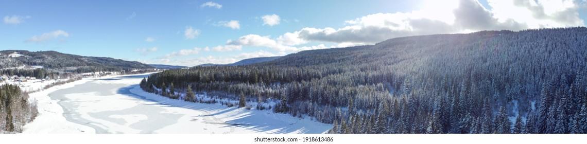 Schwarzwald Schluchsee im Winter Panorama. Landschaft mit Schnee und Eis. - Shutterstock ID 1918613486