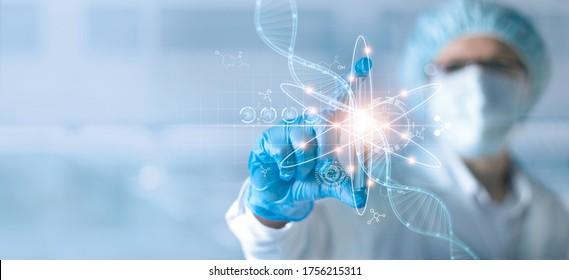 Wissenschaft und Medizin, Wissenschaftler oder Gesundheitsforscher, die Teströhre besitzen und Daten-DNA-Gentransfer und Gentherapie Behandlung und Prävention von Krankheiten in wissenschaftlichen chemischen Laboratorien analysieren.
