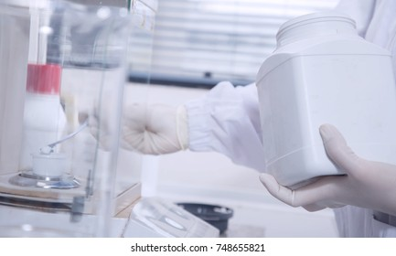 scientist Chemical preparations In the practice. For the test vaccine