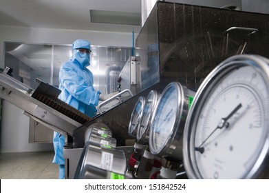 Scientist working in a pharmaceutical laboratory