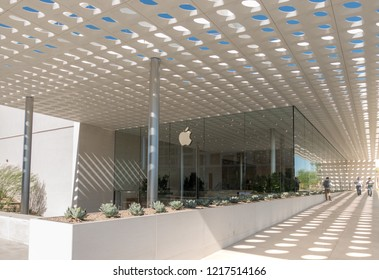 Scottsdale,Az/USA -10.30.18: Apple opens it's 6th store at the Scottsdale Fashion Square mall. The store is part of a major upgrade to the mall that is valued at 160 million.