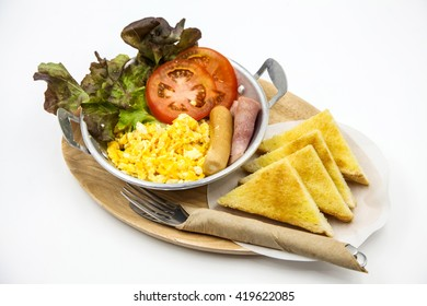 scramble egg with ham, sausage & toast