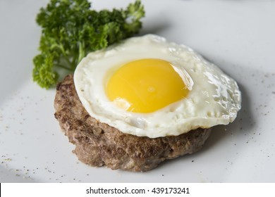 scrambled eggs with steak