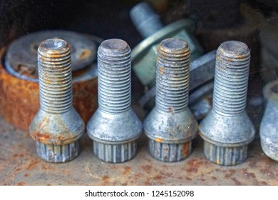 Screws bolts for car wheels safety