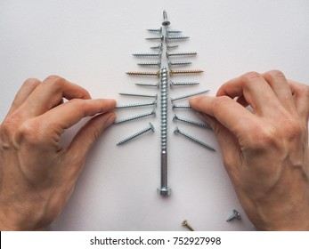 The screws lined Christmas tree.