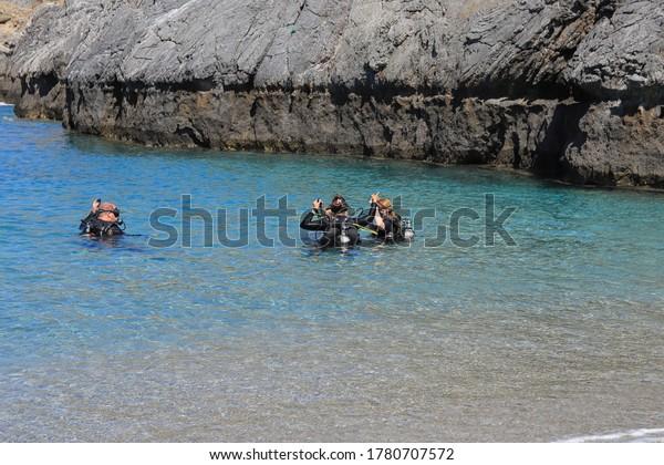 scuba-diving-lessons-schinaria-crete-600
