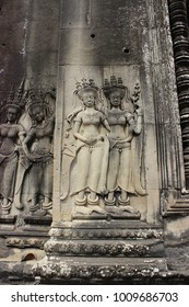 a sculpture in angkor wat