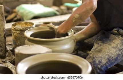 Sculpture Clay pot