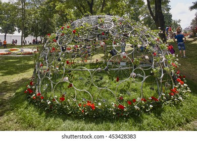 Sculpture at Floraart at Bundek lake- July 6th 2016.,Zagreb  Floraart is a name for a flower show.