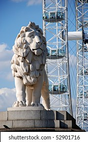 Sculpture of a lion in London