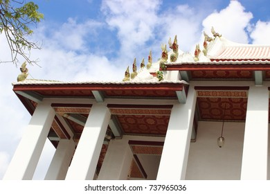 Sculpture on the roof of the Ubosot , an Ubosot in Thai-Chinese style , Thai temple architecture , Wat Chaloemphrakiat Worawihan ,Thailand.