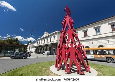 Sculpture outside La Spezia Railway Station, Le Spezia, Italy, 20th May 2016