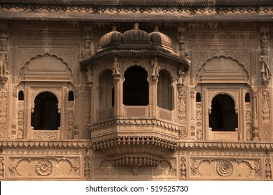 sculptures Ahilyabai temple Maheshwar India