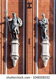 Sculptures on the front of the House of the Blackheads in Riga