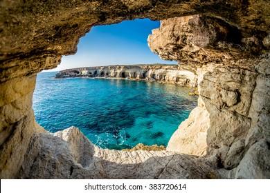 Meereshöhlen in der Nähe von Ayia Napa, Zypern.