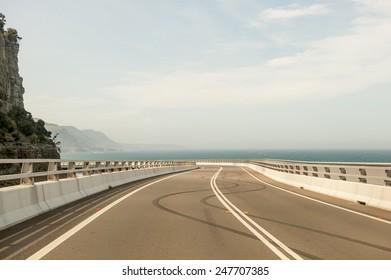 Sea Cliff Bridge burnout tyre marks