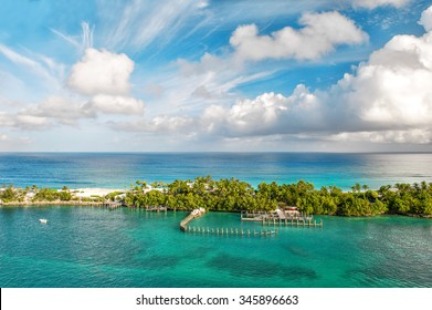 Sea and cloudy sky. Beautiful landscape Bahamas. Nassau