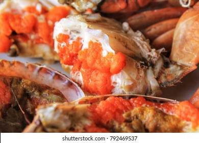 Sea Crab Salad is a seafood that is delicious and popular in the province adjacent to the sea of ??Thailand.