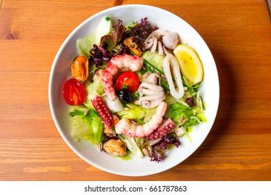 sea food green salad