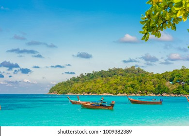Sea with idyllic sky clody in island vacation summer time background