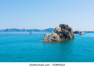 The sea of the island of Ponza. The beauties of Italian nature