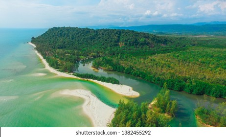 The sea of Klongyai Trat Thailand