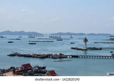 sea at kohsichang on holidays in sammer