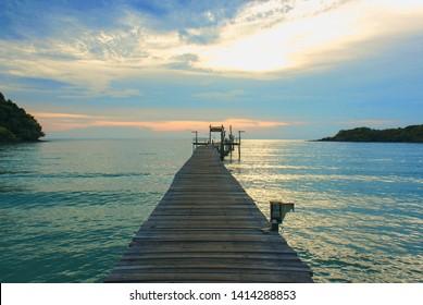 Sea, mountains, trees and bridges