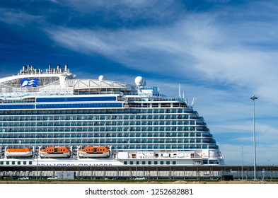 Saint Petersburg Sea Images, Stock Photos & Vectors