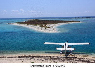 Sea plane docking at Dry Tortugas National Park