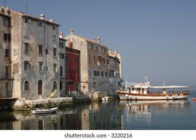 sea shore houses in rovinj