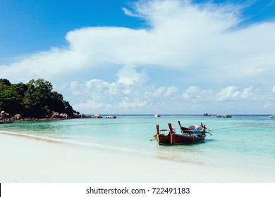 Sea and sky clearing up 0n the shiny day at Lipe island, Thailand.