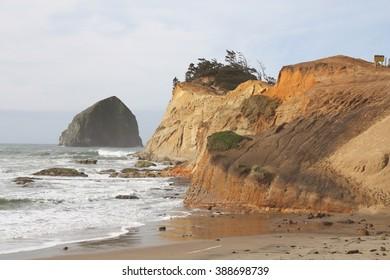 Sea stack and cliffs at Cape Kiwanda, OR.