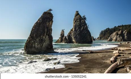 Sea stacks on the wild Rialto beach, Olympic National Park