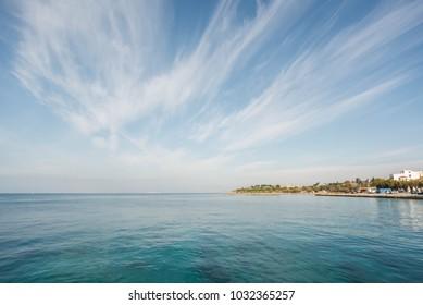 Sea under the sky