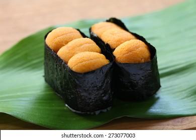 sea urchin roe, japanese sushi, uni gunkanmaki