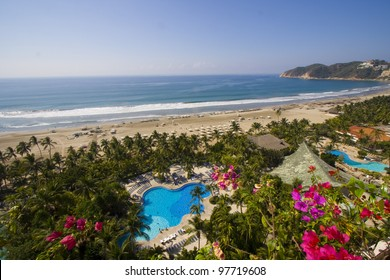 sea view hotel room in Acapulco/Pool and sea/