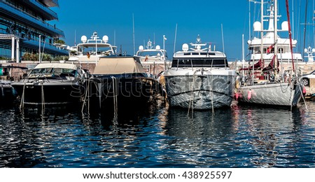 sea-water-reflects-on-boat-450w-43892559