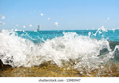 Sea wave with splash of water