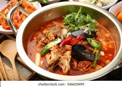 Seafood dakbokkeumtang,dakbokkeumtang, Braised Spicy Chicken, chicken roast , chicken, spicy, hot, chili,red pepper paste, gochujang, potato, carot, egg