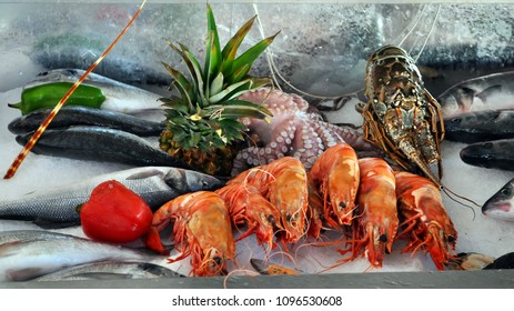 Seafood fish shrimp crabs.