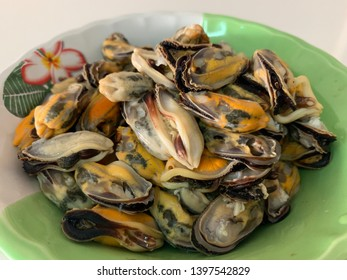 Seafood mussels without shell in the cup