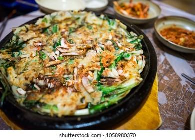 Seafood pajeon, Korean food
