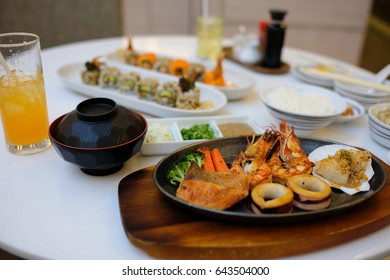 Seafood steak. and Sushi set.,,Japanese food.,Selective focus.