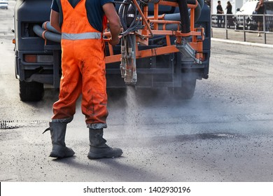 sealing of asphalt pits by blowing hot mixture.