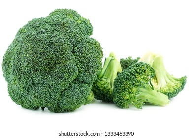 Seamless pattern with broccoli. Vegetables abstract background. Broccoli on the white background.