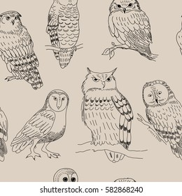 Seamless pattern with a various owls in retro style