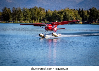 Seaplane take-off from Lake Hood Seaplane Base in Anchorage, Alaska